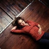 Sarah Beeny launches free property site