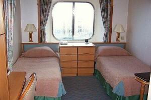 Singles Cruising: Solo at Sea