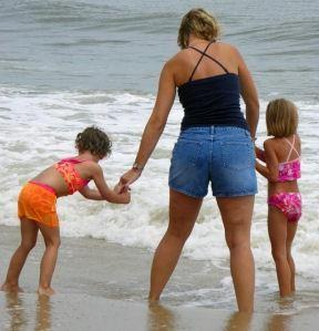 Holiday tips for single parents