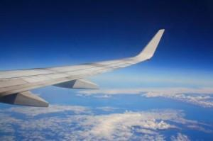 10 Tips for Keeping a Toddler Busy on a Plane